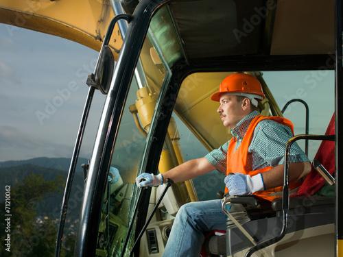 Fotografía  happy excavator driver