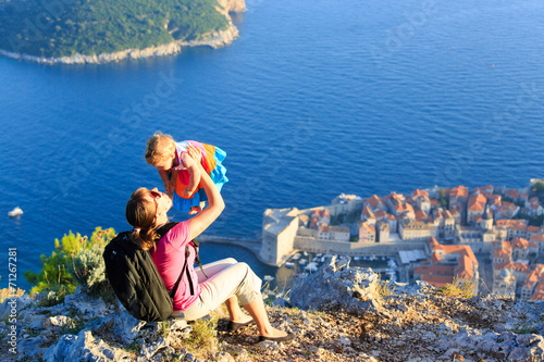 Spoed Foto op Canvas Bedehuis mother and little daugther travel in Europe