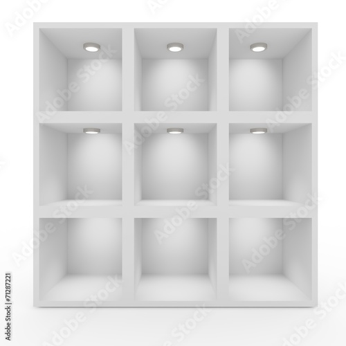 Fotografía  Empty white shelves with lighting