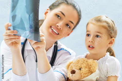 фотография  pediatrician