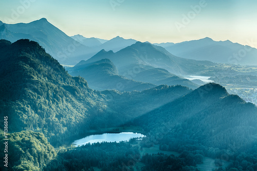 Cadres-photo bureau Bleu vert Summer Alpine Scenery - Schwansee and Hills
