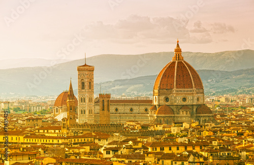 Deurstickers Toscane Florence, Cathedral of Santa Maria del Fiore on a sunset