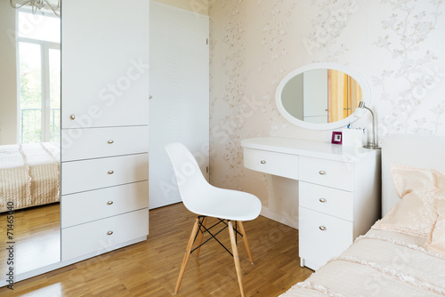 Leinwand Poster White dressing table