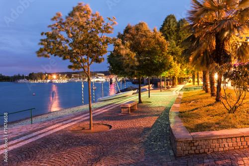 Promenade in Arona am Lago Maggiore Canvas Print