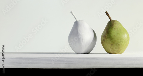 Fotografering  Pear on the table