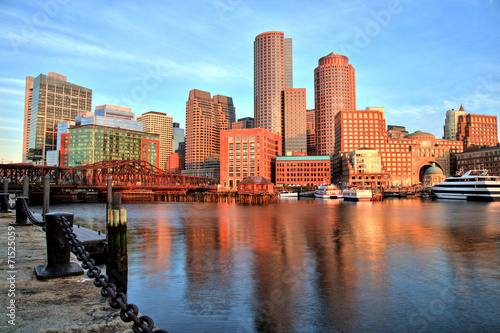 Stampa su Tela Boston Skyline with Financial District, Boston Harbor at Sunrise