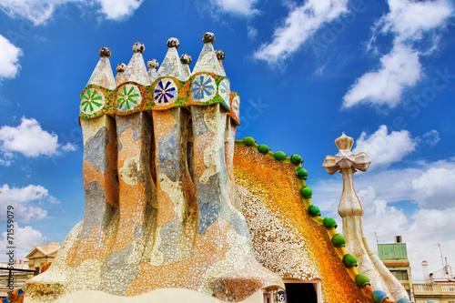 Fényképezés  BARCELONA, SPAIN - SEPT  04, 2014: Roof, housetop  Gaudi's  crea