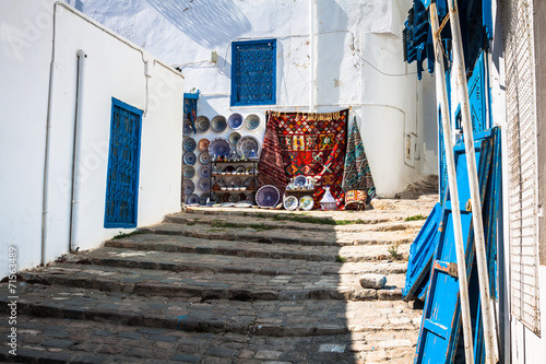 Fotobehang Tunesië Street in the town of Sidi Bou Said, Tunisia