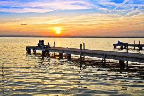 Foto auf AluDibond Pier enbarcaderos en el mar rizado