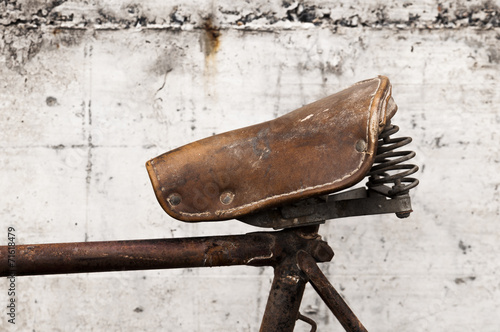 Aluminium Prints Bicycle Antique or retro bicycle saddle