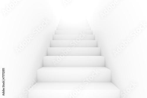 Ein Raum mit Treppen erfüllt