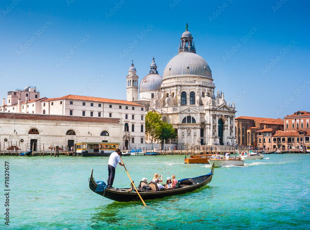 Fototapety, obrazy: Gondola on Canal Grande with Santa Maria della Salute, Venice