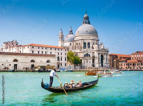 Photo sur Toile Gondoles Gondola on Canal Grande with Santa Maria della Salute, Venice
