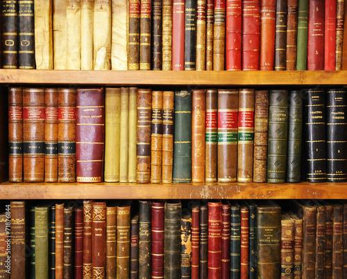stare-ksiazki-ksiegarnia-biblioteka