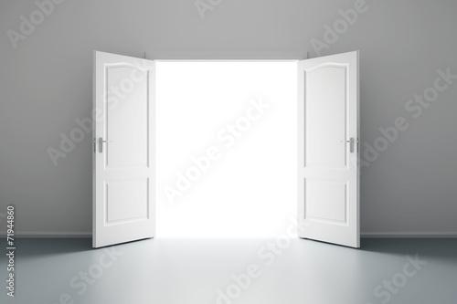 Foto op Plexiglas Wand white empty room with opened door