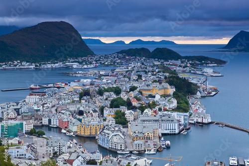 norwegia-widok-na-miasto-alesund