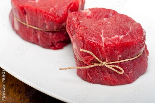 Photo  raw beef filet mignon