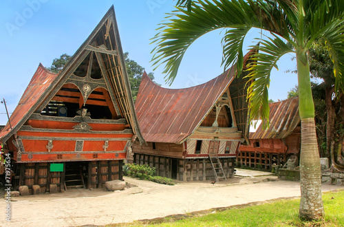 Fotobehang Indonesië Traditional Batak houses on Samosir island, Sumatra, Indonesia