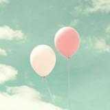 Vintage kolorowe balony w locie - 72006651