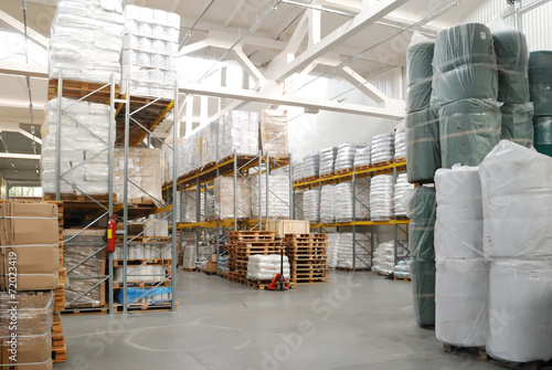 Fotografía  warehouse with rolls