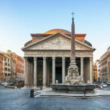 Pantheon At Dawnt, Rome, Italy.