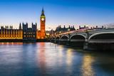 Fototapeta Londyn - Big Ben, Queen Elizabeth Tower and Wesminster Bridge Illuminated