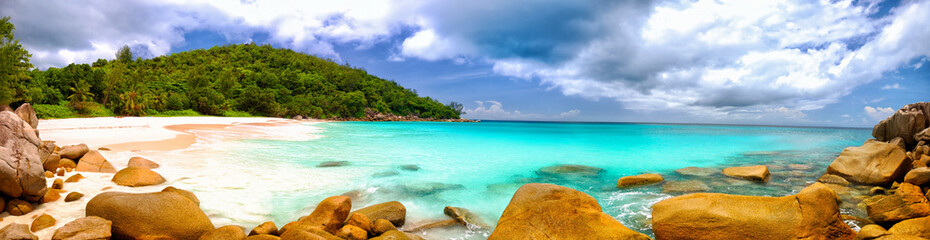 Panel Szklany Podświetlane Panorama Anse Georgette beach panorama in Praslin Island, Seychelles