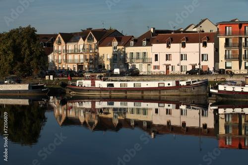 Papiers peints Ville sur l eau Auxerre, vue de l'Yonne