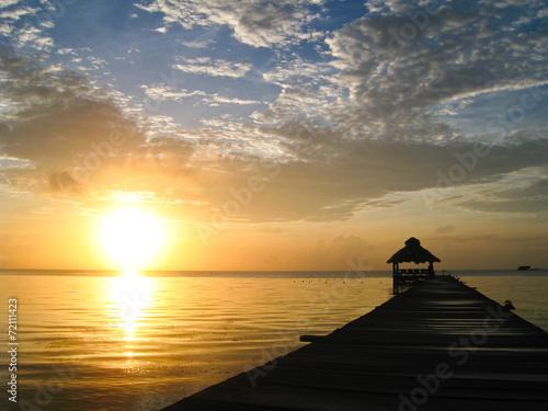 In de dag Ochtendgloren Sunburst over Belize
