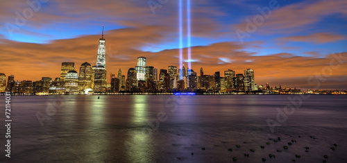 Fényképezés  New York City skyline with 9-11 tribute light