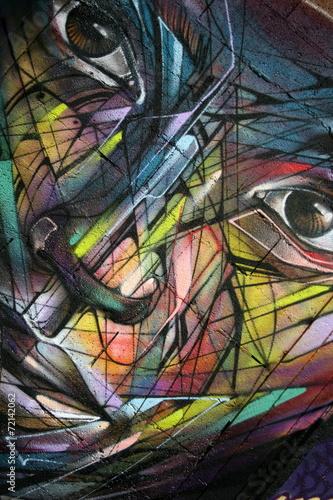 twarz-oczy-nos-usta-przywieszka-graffiti