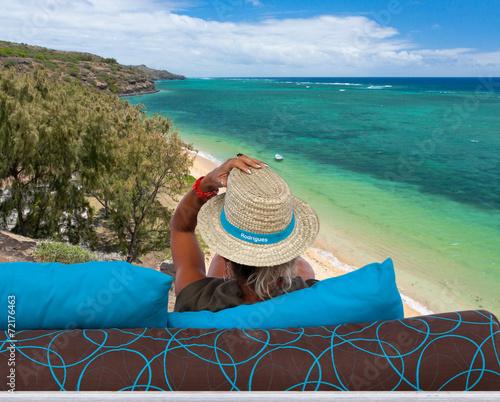 Fototapety, obrazy: femme admirant la plage de Baladirou, île Rodrigues
