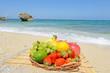 南国の美しいビーチとフルーツ