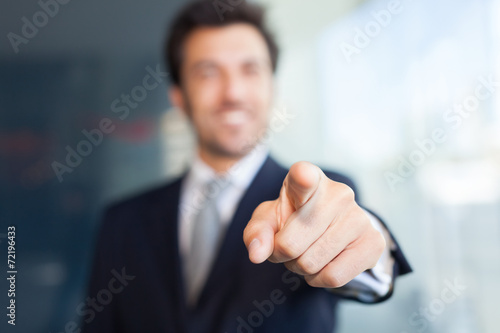 Businessman pointing his finger at you Tablou Canvas