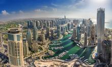 DUBAI, UAE - OKTOBER 10: Moder...