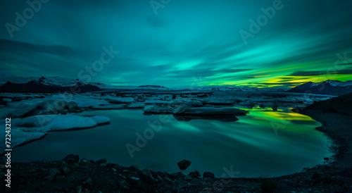 Poster Aurore polaire Jökulsárlón - Bucht mit Eisbergen - Gletscher