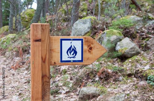 Fotografie, Obraz  Camp fire sign