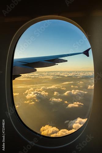 chmury-i-niebo-o-wschodzie-slonca