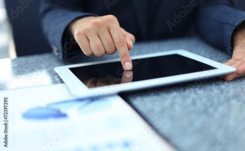 Fototapeta Businesswoman hands with touchpad obraz na płótnie
