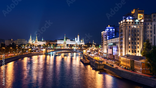Foto op Plexiglas Bedehuis Panoramic night view of Moscow Kremlin, Russia