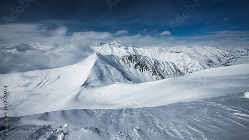 Foto op Plexiglas Landschappen Scenic view of the winter mountains