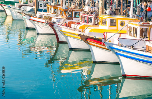 Foto op Aluminium San Francisco Colorful sailing boats at Fishermans Wharf of San Francisco