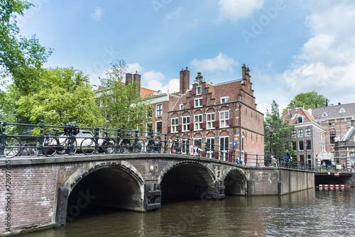 Photo  Keizersgracht canal in Amsterdam, Netherlands.
