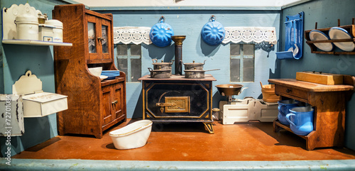 Photo  old dollhouse