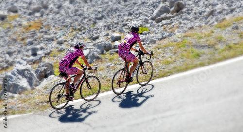 mata magnetyczna tilt & shift - coppia di ciclisti