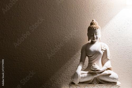 Carta da parati Illumination of Buddha - peaceful mind