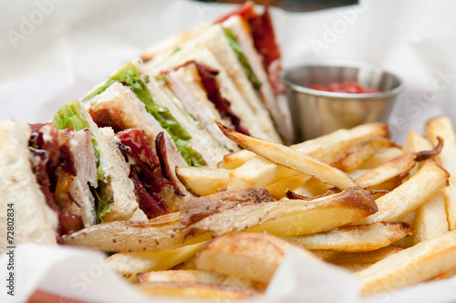 clubhouse sandwich with fries Tablou Canvas