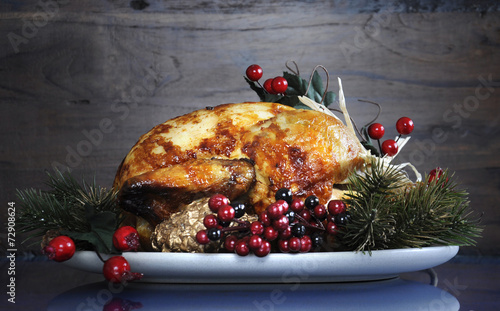 Fotografia  Festive Thanksgiving or Christmas roast turkey chicken