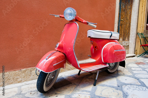 Scooter parked on Kerkyra street. Corfu island. Greece. Canvas-taulu