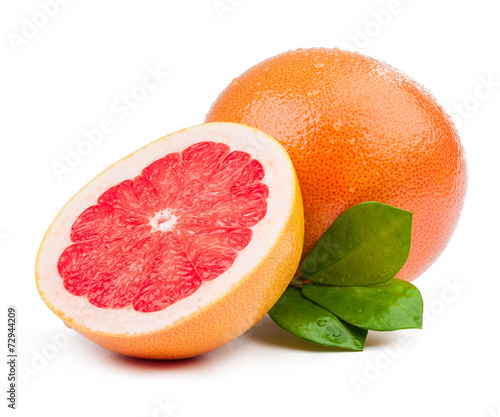 Fotografia  grapefruit and slice with leaves isolated